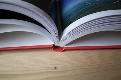 aufgeschlagenes Buch über Riga